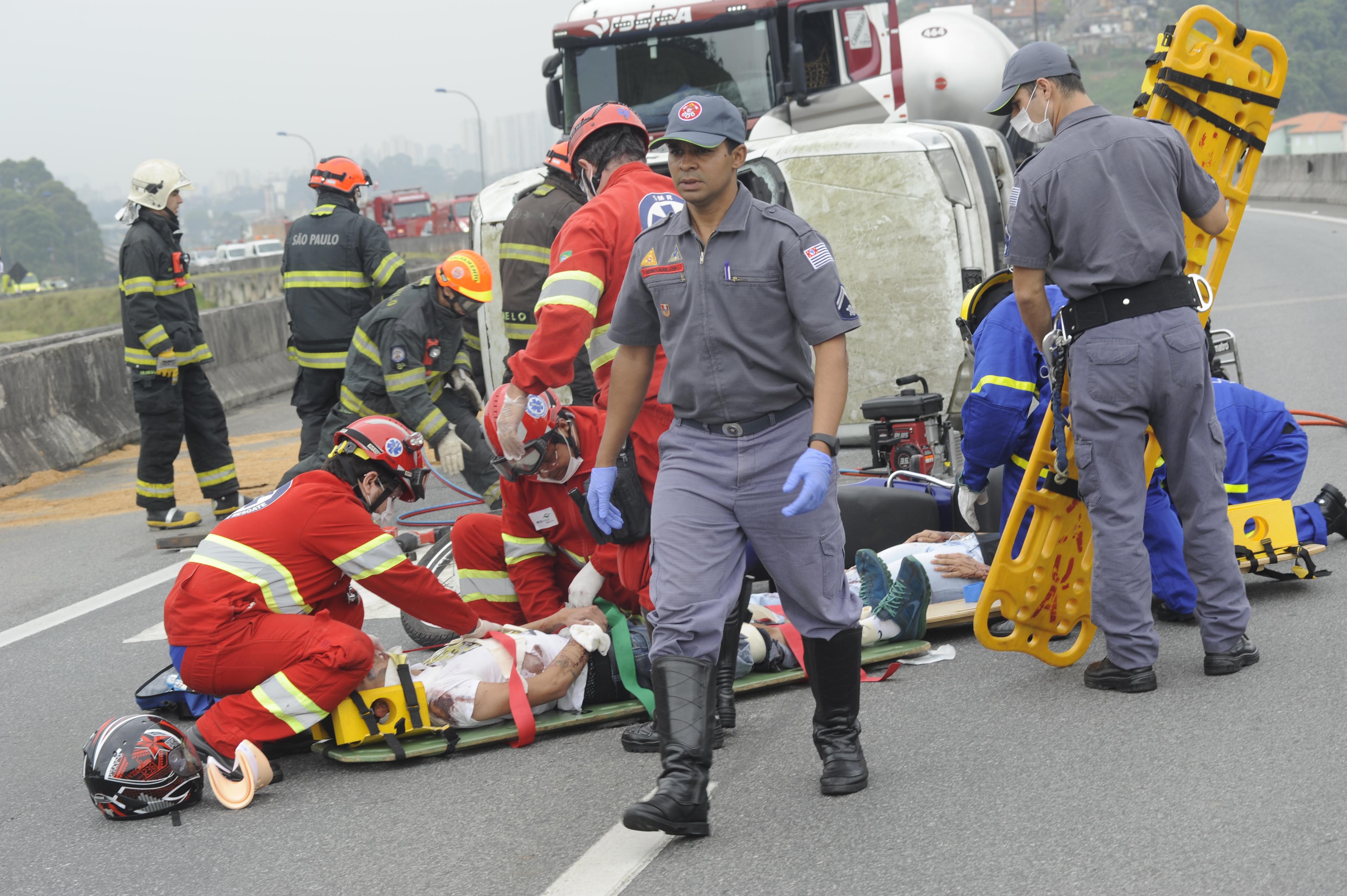 Simulado de acidente com carga perigosa